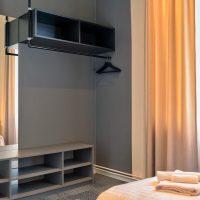 dandelion_4_bdrm_design_apartment_black-12